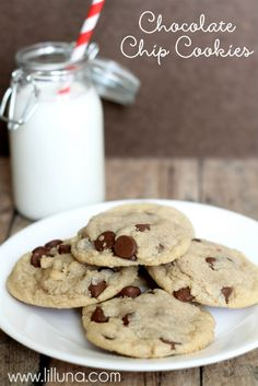 The Best Chocolate Chip Cookies Recipe ~ These cookies came out awesome! Be warned: if you don't like soft, chewy chocolate chip cookies, these are not for you. Cookie Desserts, Just Desserts, Delicious Desserts, Dessert Recipes, Yummy Food, Best Chocolate Chip Cookies Recipe, Best Cookie Recipes, Easy Recipes, Yummy Treats