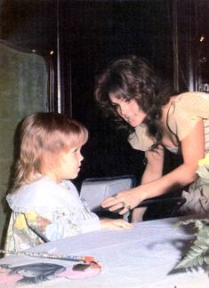 Elvis And Priscilla, Lisa Marie Presley, Beautiful People, Most Beautiful, Elvis Presley Pictures, Family Photos, Couple Photos, Daddys Girl, Love Story