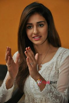 Cute Girl Image, Girls Image, Beautiful Bollywood Actress, Beautiful Indian Actress, Beautiful Girl Wallpaper, Disha Patani, Indian Bollywood, Hottest Pic, Indian Beauty