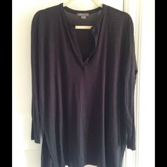 Long sleeve tunic top fabulous for the fall!  this top is loose and flowy and looks great with skinny jeans or leggings. Vince Tops Tunics