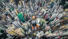 In his series 'Urban Jungle', photographer Andy Yeung shows us Hong Kong's high-rise density through the eyes of a drone. Hong Kong is home to seven millio Hong Kong, Fotografia Drone, Photo D'architecture, Shot Photo, Ouvrages D'art, National Geographic Travel, Concours Photo, Birds Eye View, Aerial Photography