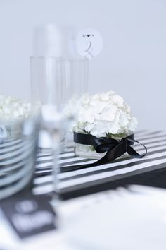 #elegant #tabeldesign in #black and #white by Williams & Gauld #eventdesign in #Berlin