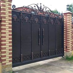 Serega Plus's photos Grill Gate Design, House Main Gates Design, Steel Gate Design, Front Gate Design, Door Gate Design, Front Gates, Entrance Gates, Iron Gates Driveway, Wrought Iron Gate Designs