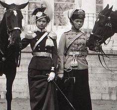 Grand Duchesses Tatiana and Olga Romanov of Russia, La Familia Romanov, Anastasia, Scouts, Tatiana Romanov, 3d Foto, Romanov Sisters, Princesa Real, Grand Duchess Olga, House Of Romanov