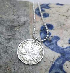Coin Jewelry - Antique 1959 NEW ZEALAND 3 pence coin necklace. Antique Coins, Antique Silver, Antique Jewelry, Horse Necklace, Bee Necklace, Aquamarine Jewelry, Diamond Jewelry, Coin Jewelry, Jewelry Shop