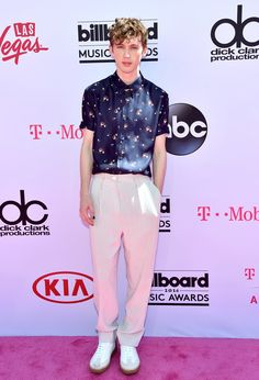 Troye Sivan | Here's What Everyone Wore To The 2016 Billboard Music Awards