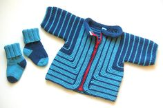 Elizabeth Zimmerman& baby surprise jacket -- apparently not free? Baby Boy Knitting Patterns, Baby Girl Patterns, Knitting For Kids, Baby Knitting, Baby Boy Outfits, Kids Outfits, Baby Clothes Blanket, Toddler Sweater, Baby Coat