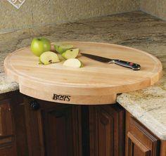 Corner cutting board that won't slip all over