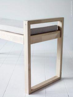 Snart kommer kollektionen BJÖRKSNÄS till IKEA varuhusen! Skapad med ett nyfiket förhållningssätt till ett klassiskt skandinaviskt möbelträslag – björk. Här får naturliga material ge uttryck för en ny typ av enkelhet.