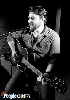 Aw Naw - Aw YEA!  Chris Young stopped by the People.com studio yesterday to play his hit single Aw Naw!   It was Aw-mazing!