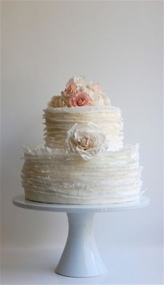 Beautiful layers of #ruffles on this #wedding #cake by lucklessgem