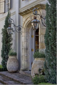 French inspired interiors: Designer Pamela Pierce - CURB APPEAL – a french country entrance way. French Decor, French Country Decorating, Olive Jar, Design Exterior, Exterior Colors, French Country House, French Farmhouse, Country Living, Country Entryway