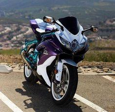 Motorcycles, bikers and more — Suzuki GSXR 600 Suzuki Gsx R, Suzuki Motorcycle, Motorcycle Outfit, Purple Motorcycle, Bike Bmw, Futuristic Motorcycle, Gsxr 600, Moto Ninja, Custom Sport Bikes