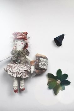 A personal favourite from my Etsy shop https://www.etsy.com/nz/listing/518420233/ragdoll-copper-and-gold-girlie-doll