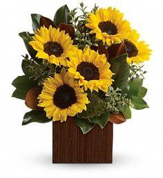 You're Golden Bouquet  in Metro New Orleans LA, Villere's Florist http://www.villeresflowers.com/metairie-florist/halloween-flowers-90c.asp?topnav=TopNav #Halloween #NewOrleans