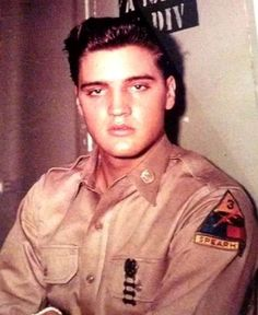 ♡♥Private first class Elvis Presley with 1 medal  at Ray Barracks in Friedberg,Germany in Oct 1958♥♡
