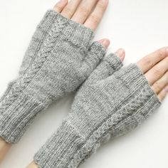 Fingerless gloves with a cable design and ribbed cuffs to keep your wrists cosy and warm. Both written and charted instructions are included for the cable pattern. Knitted Mittens Pattern, Knit Mittens, Knitting Stitches, Knitting Patterns Free, Knitting Squares, Hairpin Lace, Crochet Capas, Crochet Needles, Fingerless Gloves Knitted