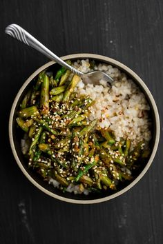 When spring and spring produce start to show up, I find myself wanting to cook less. I want simple meals with minimal ingredients. This asparagus stir-fry fits the bill. Ready in about 20 minutes, the
