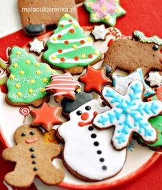 Top 10 Cute Gingerbread Treats for Christmas - Top Inspired Christmas Food Treats, Christmas Tree Cookies, Christmas Desserts, Christmas Cookies, Make A Gingerbread House, Gingerbread Cookies, Christmas Tops, Christmas Holidays, Christmas Cards