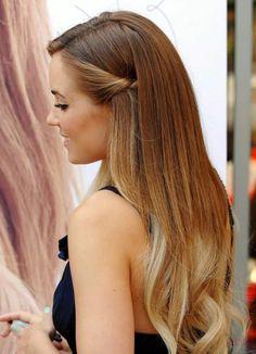 langes haar ombre blond junge frau