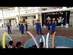 minions 2014 coreografia de mamis - YouTube