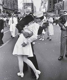 My inspiration day in and day out for pictures! Alfred Eisenstaedt is a genius!
