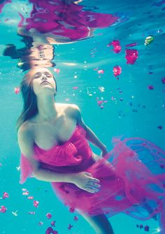 underwater fashion photography | by Elena Kalis