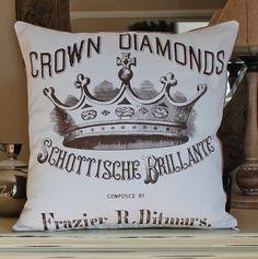Love the crowns and fleur de lis style!