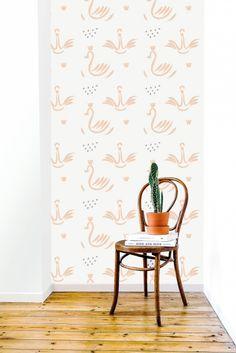 Behang Swans pink  Roomblush Behang zwanen roze van Roomblush. Ontdek hier de SWEET! wallpaper collectie van Roomblush. Een speelse collectie, een eyecatcher op je muur. Voor in de kinder, speel, slaap, werk-kamer of gewoon waar jij dat wil! Dit vliesbehang bestaat uit 4 banen van 50 cm breed x 285 cm hoog. Stalen aanvragen kan, max. 4 stuks, via info@roozje.nl  Levertijd: 5-12 werkdagen Behang kinderkamer babykamer zwaan
