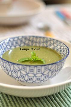 Soupe glacée d'épinards, menthe et feta