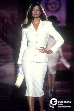 Stephanie Seymour - Versace Couture S/S 1995