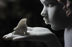 Cicero D'Avila : Redhead Angel - Metamorphosis (detail, marble)