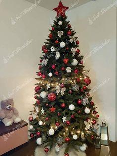 Ako ozdobiť vianočný stromček ? trendy pre rok 2020   Svet Stromčekov Christen, Christmas Tree, Christmas Ideas, Trendy, Holiday Decor, Home Decor, Decoration, Dance Videos, Teal Christmas Tree