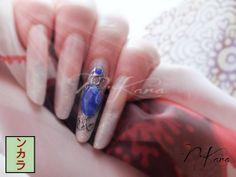 Pose résine french, émaux et pierre liquide imitation lapis-lazuli