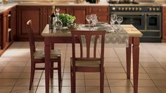 Corinne Table