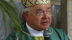 Vaticano se prepara para julgar ex-arcebispo preso por pedofiliaJá condenado em junho por um tribunal eclesiástico, Wesolowski foi convocado para uma audiência preliminar que deu início a um processo penal, e foi colocado sob prisão domiciliar . http://www.opovo.com.br/app/maisnoticias/mundo/2014/09/24/noticiasmundo,3319749/vaticano-se-prepara-para-julgar-ex-arcebispo-preso-por-pedofilia.shtml