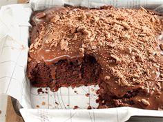 Eggless chocolate cake and coffee Chocolate Cake With Coffee, Eggless Chocolate Cake, Coffee Cake, Vegan Chocolate, Brownie Recipes, Cake Recipes, Dessert Recipes, Just Desserts, Delicious Desserts
