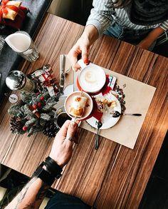 """Mi piace"": 2,829, commenti: 27 - PHOTO | LIFESTYLE | TRAVEL (@zhukova_dasha_) su Instagram: ""За отличное воскресенье розмариновым латте и горячим какао чин-чин! 🥂 Вот такой вам сегодня…"""