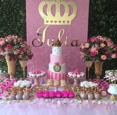 45 Ideas for baby girl princess birthday party Princess Theme, Baby Girl Princess, Baby Shower Princess, Princess Birthday, Baby Birthday, 1st Birthday Parties, Birthday Party Decorations, Baby Shower Decorations, Gold Baby Showers