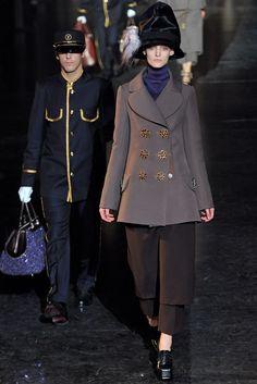 Louis Vuitton Fall 2012 Ready-to-Wear Fashion Show - Franzi Mueller (IMG)