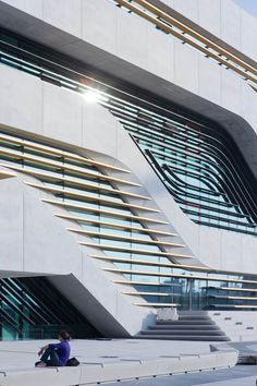 Pierresvives by Zaha Hadid