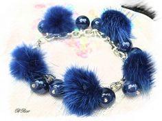 bracelet fourrure bleu roi BR550 €16.00