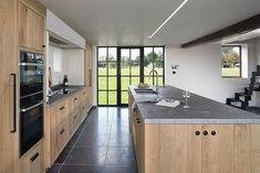 Shaker Style Kitchens, Shaker Kitchen, Diy Kitchen, Cool Kitchens, Kitchen Decor, Kitchen Design, Over Sink Lighting, Home Coffee Stations, Kitchen Styling