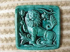 Изразец - математика и искусство - Brave Lion - in Slavic mythology is the earthly world and all its rulers, embodying the laws of justice on earth. It is a symbol of courage and strength. Clay Tiles, Ceramic Clay, Cigar Store Indian, Art Nouveau Tiles, Panel Wall Art, Medieval Art, Paper Clay, Tile Art, Clay Projects