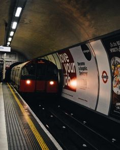 Just the tip.... (My favourite name for Andy Dwighers band you filthy animals).  Leicester Square Underground Station 6.00pm  NikonD3200      #igersengland  #igerslondon #unitedkingdom #nikon #nikond3200 #wanderlust #travel #clubnikon #timeoutlondon #city #london #visituk #lovegreatbritain #omgb #explorebritain #travelphotography #london2do #photographer #instatravel #nikonphotography #thisislondon #travellife #travelgram #worldtraveller #nikontop #thisislondon #londonpop #mysecretlondon…