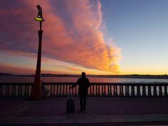 Amanece que no es poco. No te olvides la maleta nos va a hacer falta. . #ACoruña #Galicia . #MiTrilogía #amanecer #sunrise . @igersSpain @instagrames @instagram #PrimeroLaComunidad #communityfirst #instagram #instagrames