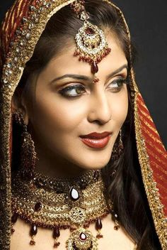 Indian bridal jewelry.