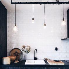 subway tiles + edison bulbs   #kitchen #homedecor #modernrustic #edisonbulbs #subwaytiles #homeinterior