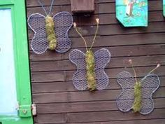 kippengaas knutselen - Google zoeken Workshop, Chicken Wire, Garden Inspiration, Most Beautiful Pictures, Crochet Earrings, Told You So, Presents, Floral, Christmas