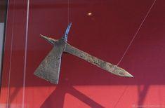 Possibly Nuremburg Medieval Swords, Battaglia, Renaissance, Knives, Weapons, Europe, Diy, Weapons Guns, Guns
